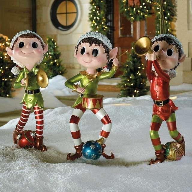 Arredare il giardino a Natale  idee originali - Elfi natalizi per il  giardino 8cef4d9a7301