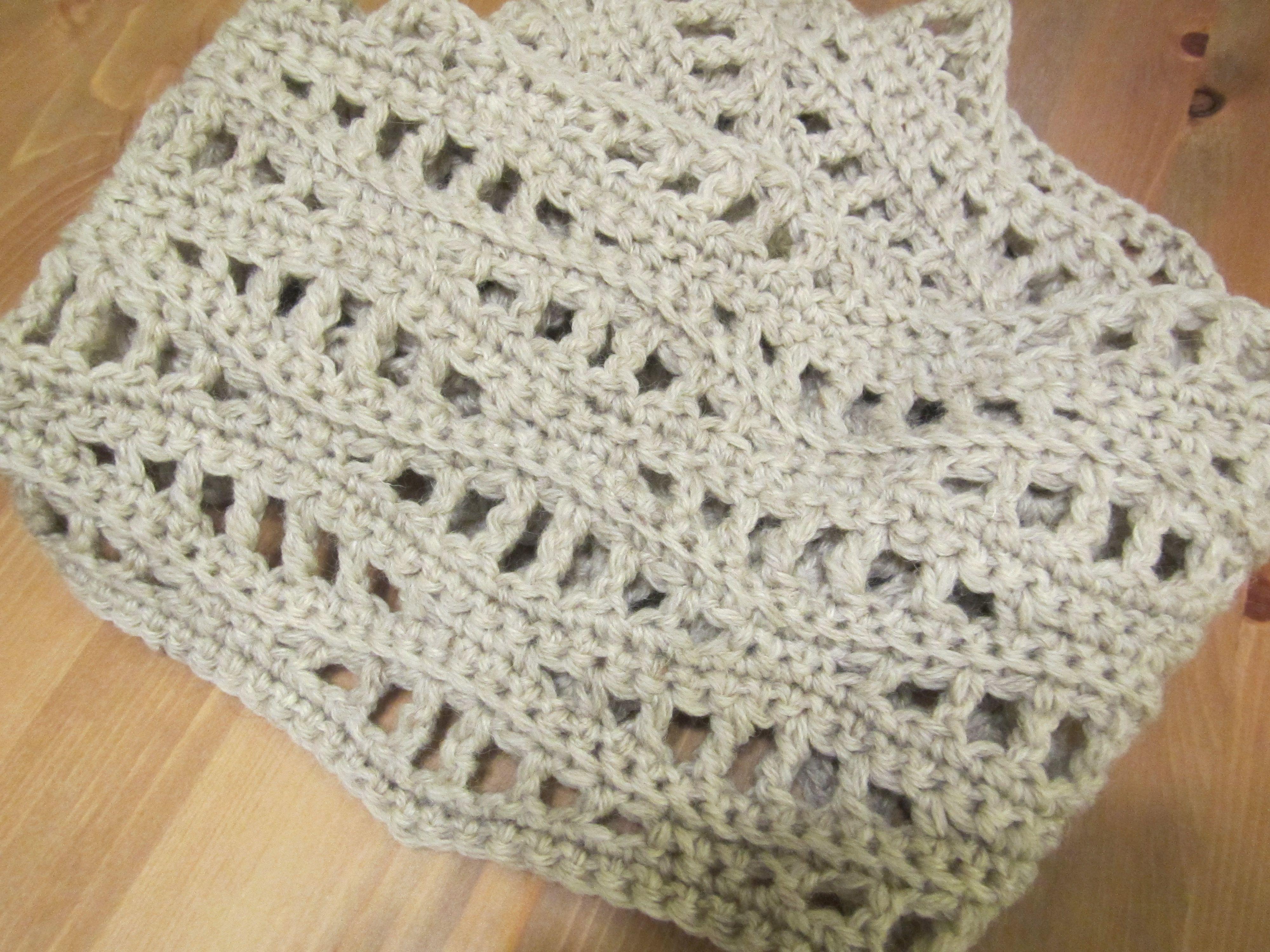 Fisherman\'s wool in Oatmeal http://www.mypicot.com/patterns/1005.pdf ...