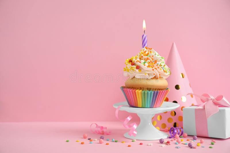 Composition With Birthday Cupcake On Background Space For Text Composition Wi Sponsored Cupca Birthday Cupcake Images Birthday Candles Birthday Cupcakes Best cake hd wallpapers