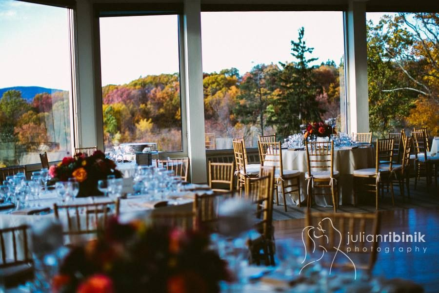 A Room With A View At The Garrison Hudson Valley S Best Kept Secret Hudson Valley Wedding Venues Hudson Valley Wedding Venue Decoration