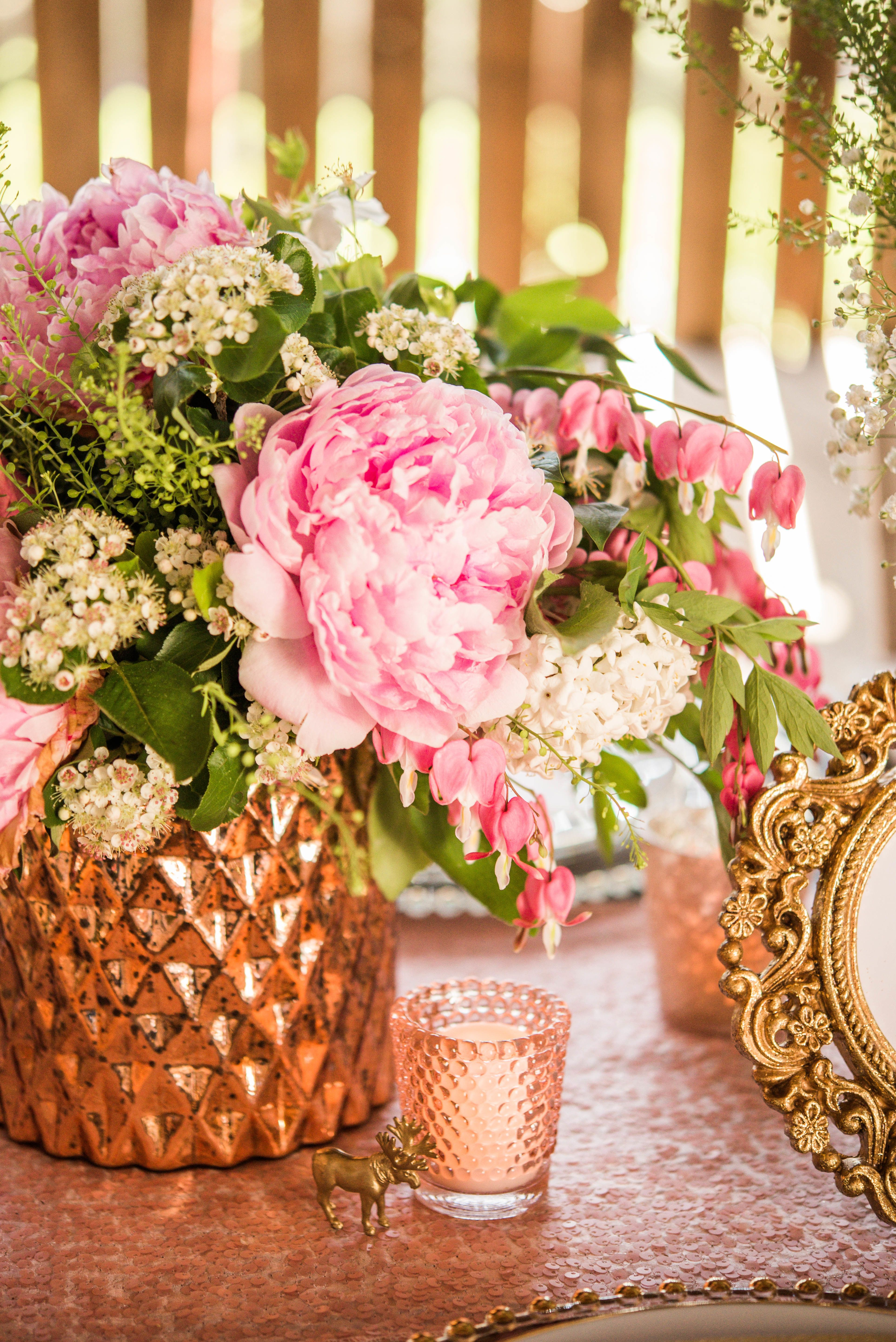 Rustic Chic Farm Shoot at Cambium Farms   Rustic chic, Floral ...