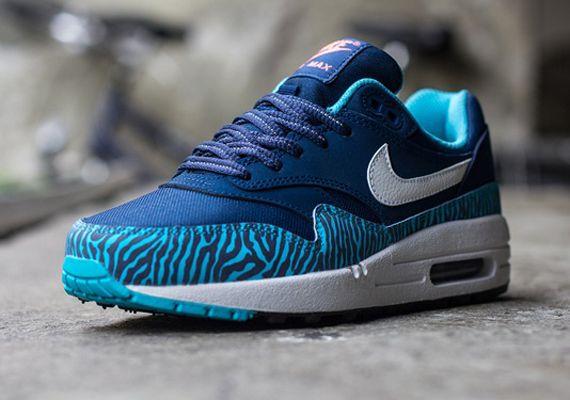 air max blue leopard print