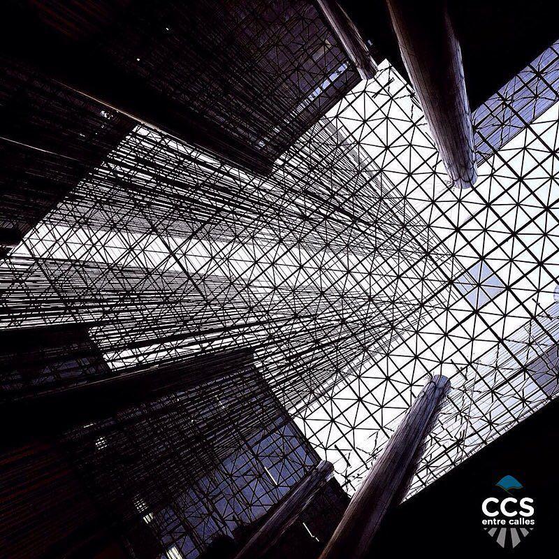 Te presentamos la selección del día: <<OBRAS DE ARTE>> en Caracas Entre Calles. ============================  F E L I C I D A D E S  >> @juliojmarquez << Visita su galeria ============================ SELECCIÓN @ginamoca TAG #CCS_EntreCalles ================ Team: @ginamoca @huguito @luisrhostos @mahenriquezm @teresitacc @marianaj19 @floriannabd ================ #soto #obrasdearte #arte #streetart #Caracas #Venezuela #Increibleccs #Instavenezuela #Gf_Venezuela #GaleriaVzla #Ig_GranCaracas…