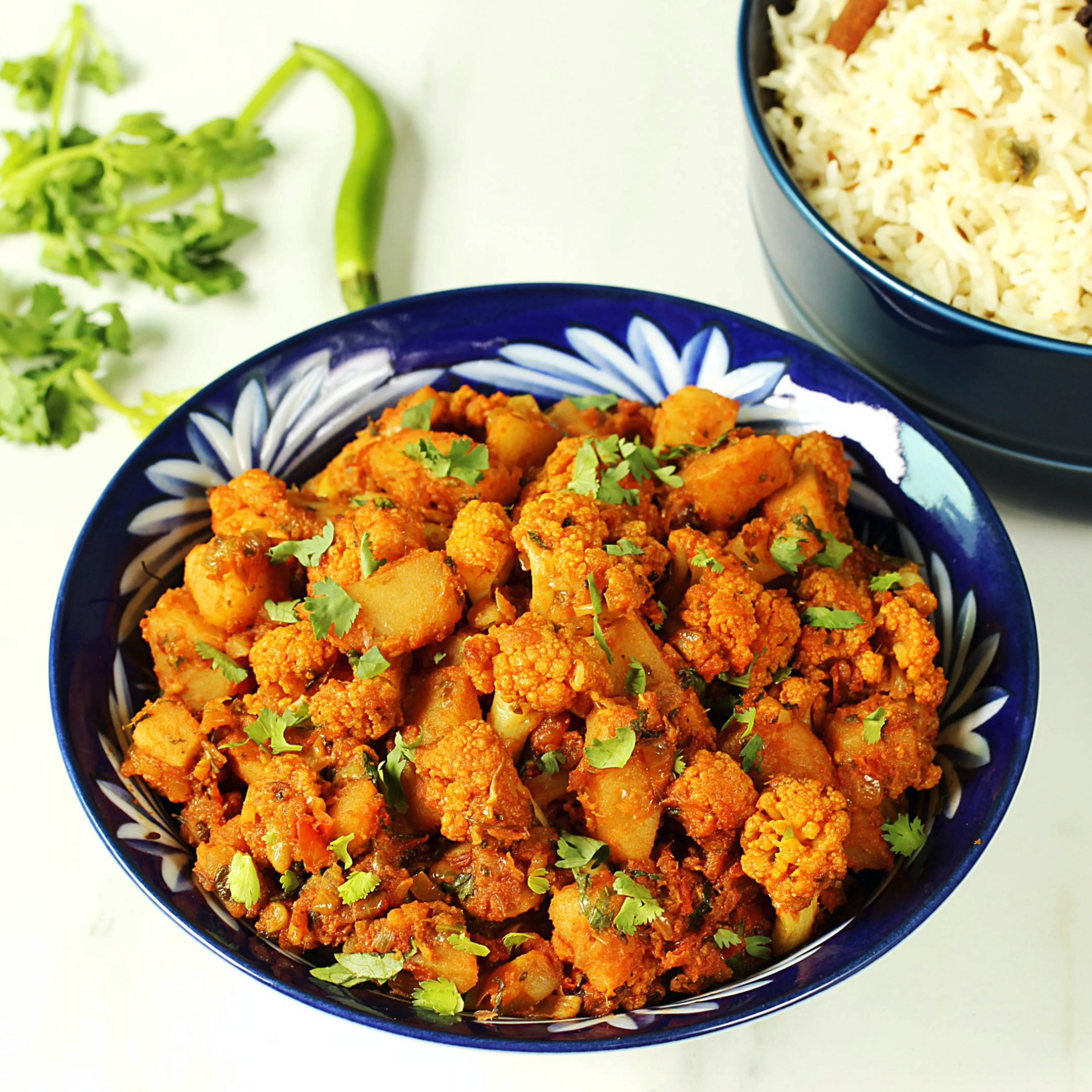 Aloo gobi (Potato cauliflower stir fry)