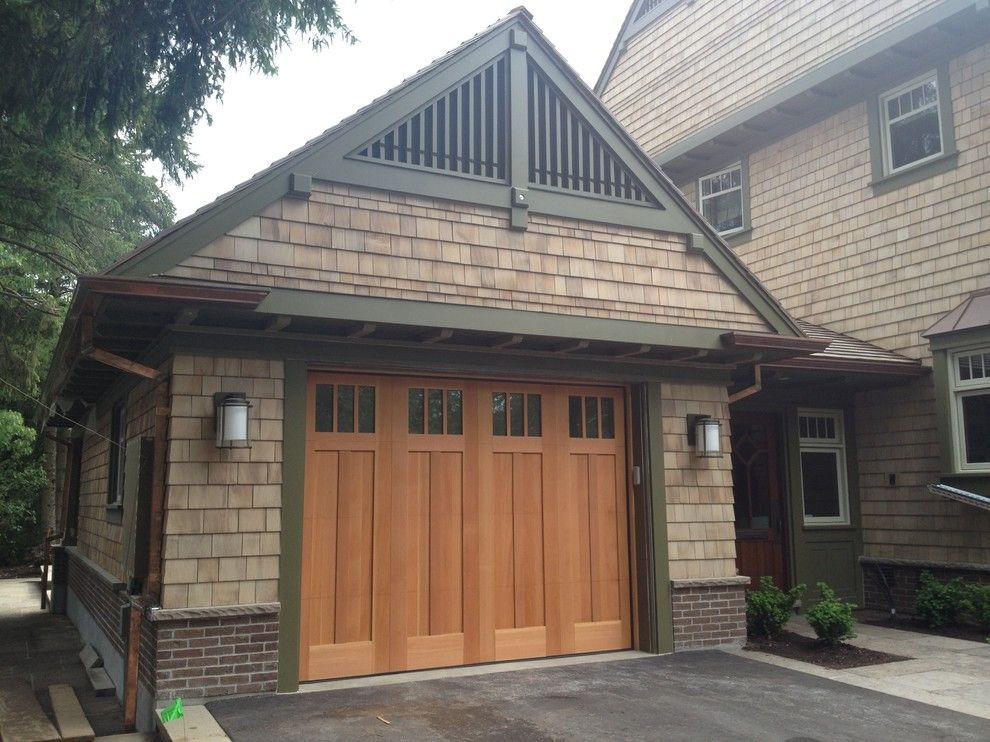 Magnificent carriage house garage doors vogue toronto for Craftsman style garage lights