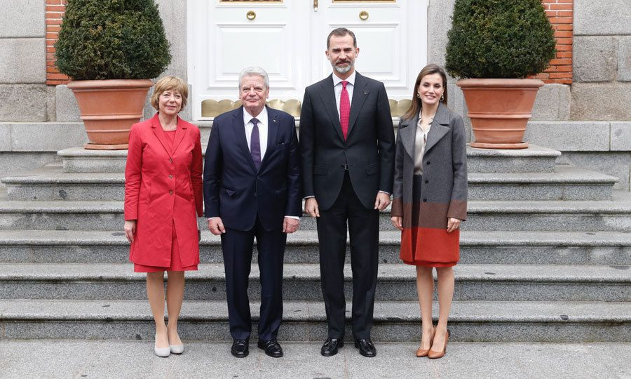 King Felipe and Queen Letizia stylishly welcomed the President of Germany, Joachim Gauck, and his partner Daniela Schadt to Zarzuela Palace in Madrid.<br><br>  Photo: Francisco Gomez/Casa de S.M. el Rey de Espana via Getty Images