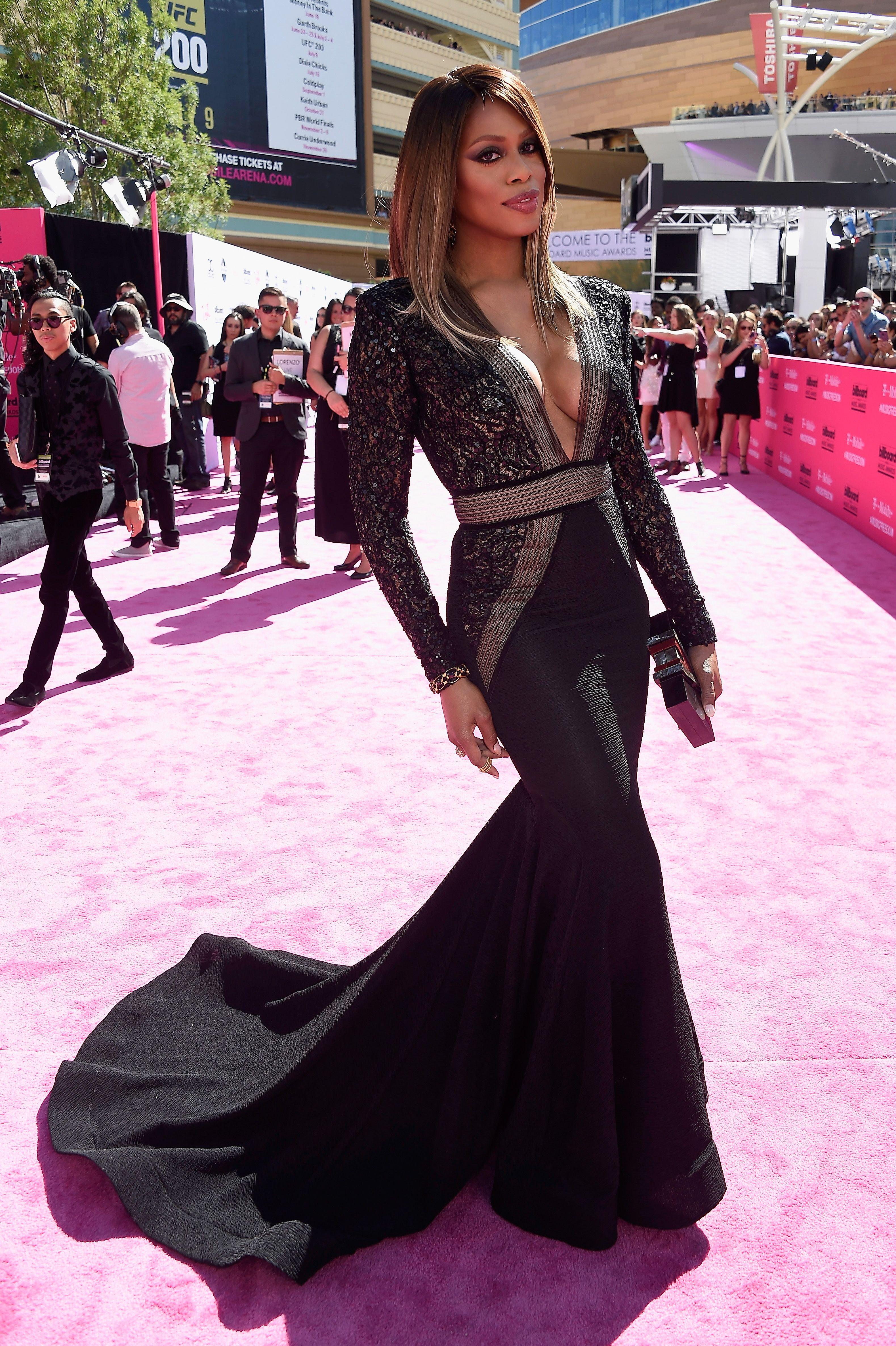AMA Awards 2015 Best/Worst Dressed Celebrities, Selena