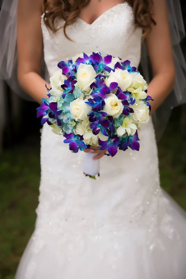 Wedding bouquet blue and white wedding pinterest for White and blue flower bouquet