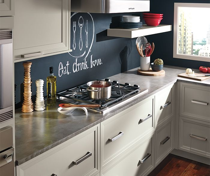 Grey Cabinets In Casual Kitchen Kitchen Craft Cabinetry Kitchen Cabinets And Countertops Kitchen Cabinets Kitchen Fittings
