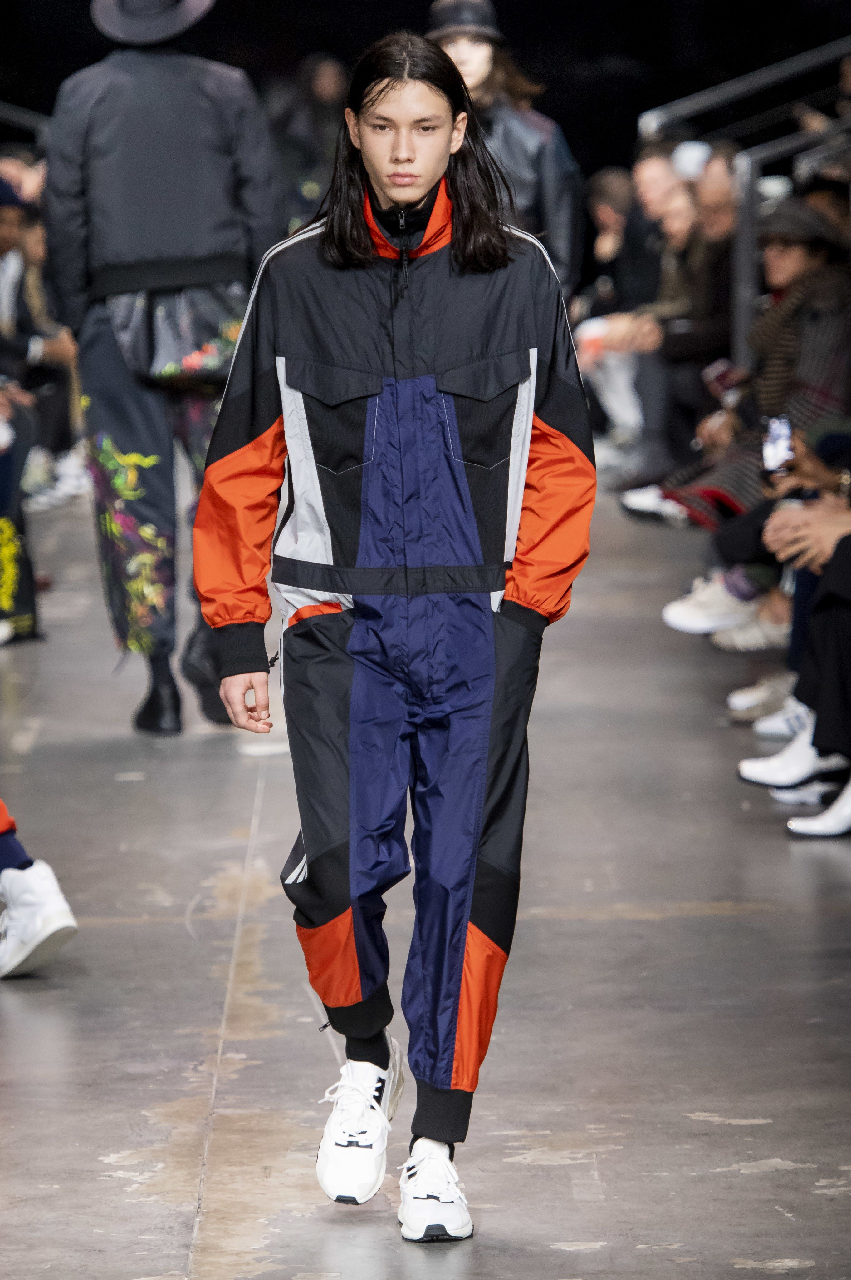 Y-3 Fall 2019 Ready-to-Wear Fashion Show Collection. Men fashon runway sportswear look outfit