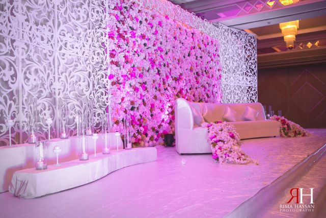 Wedding at crowne plaza seikh zayed road dubai rima for Arabic stage decoration