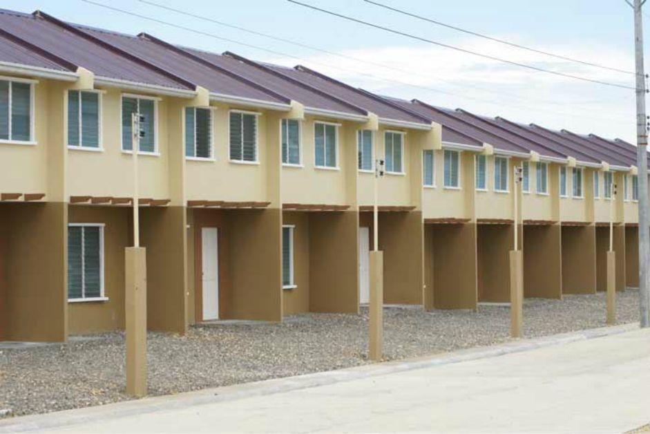 2storey Townhouse 2 Bedrooms 1 Toilet And Bath Price 1 2m 60k
