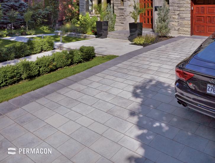 A driveway in all its simplicity //// Une entrée de garage dans ...