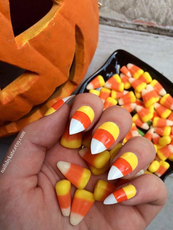Perfect For Halloween A Set Of 20 Hand Painted Candy Corn Stiletto Nails The Nails Come In 10 Different Sizes 2 Of Each Included In The Candy Corn Nails Halloween Nail Designs Vampire Nails