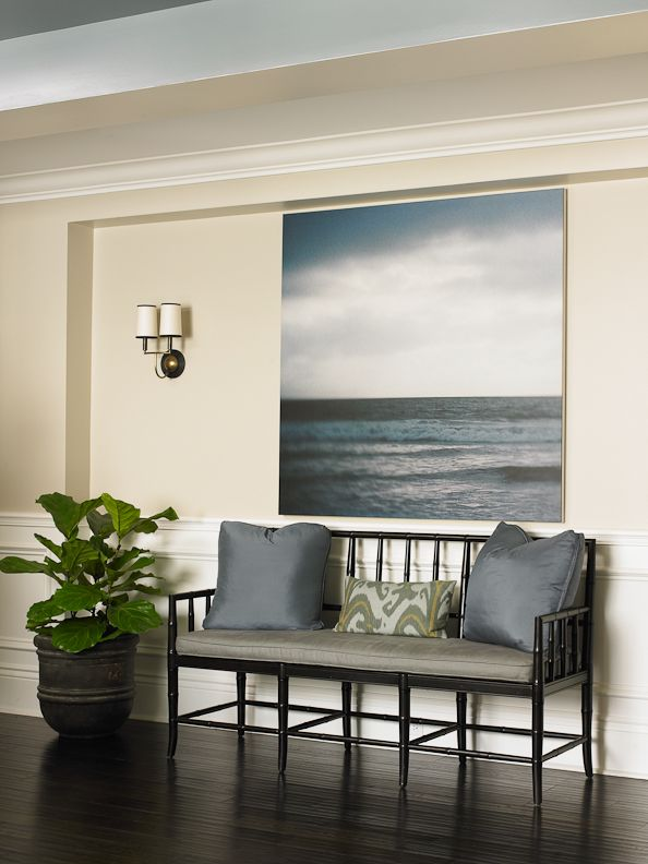 Beautiful traditional sitting area Get the look with Dunn Edwards