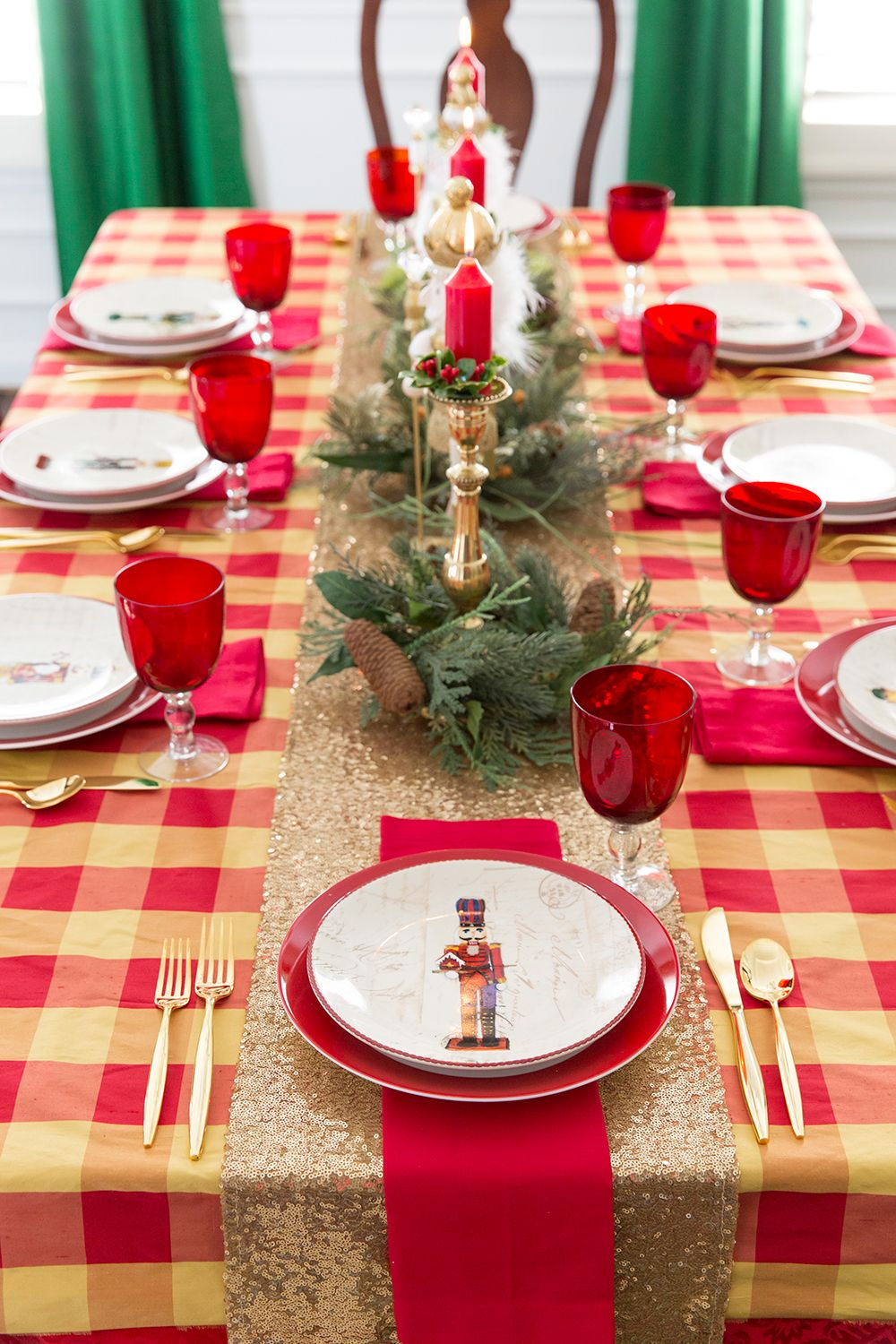 Traditional Christmas tablescape, tips and tricks for