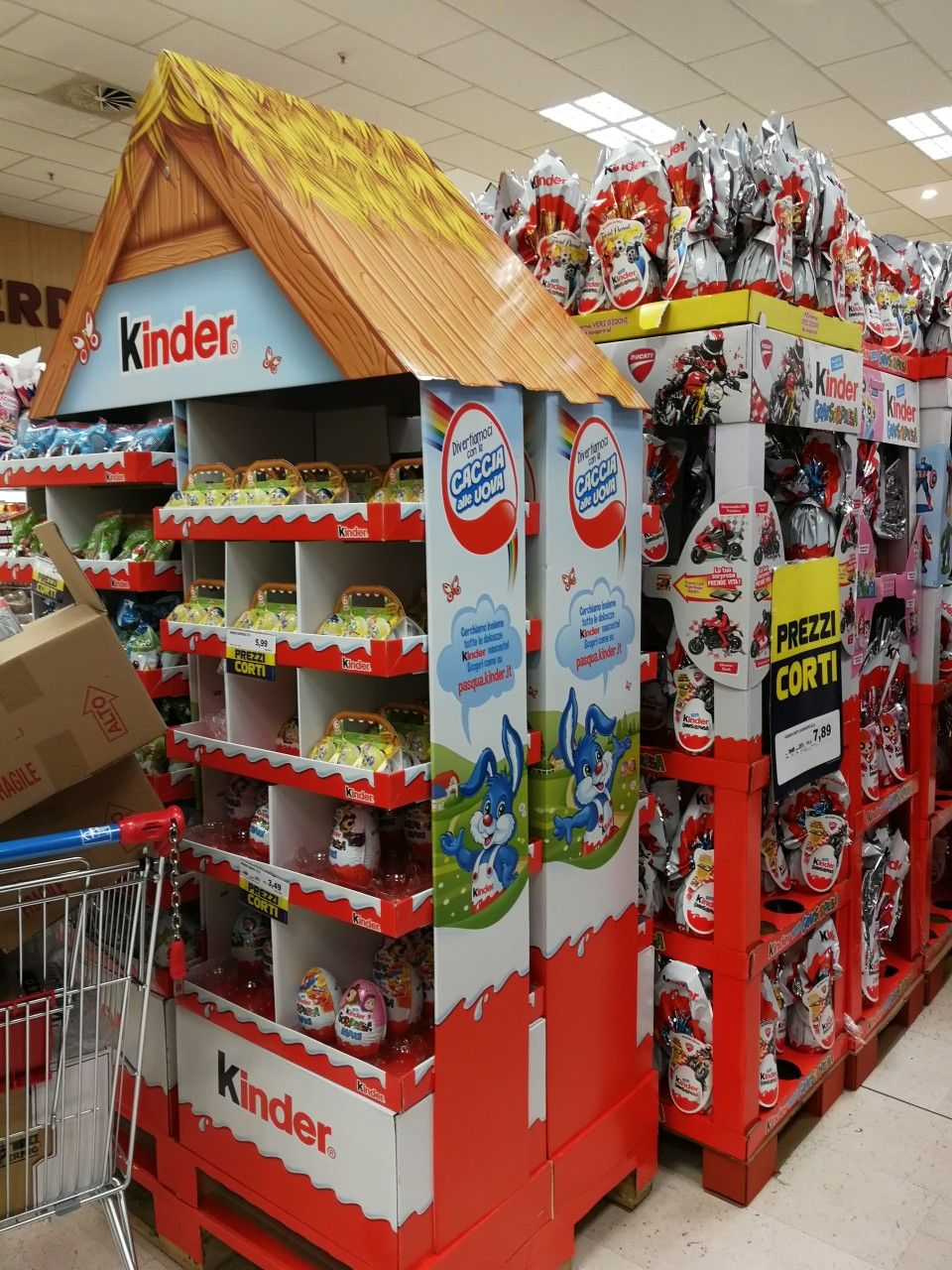 Kinder Caccia All Uovo 2018 Pos Design Pallet Display Posm