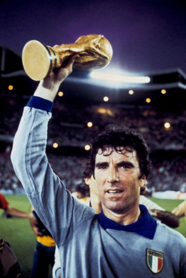 Dino Zoff World Cup Winning Captain Dino Zoff World Football International Soccer