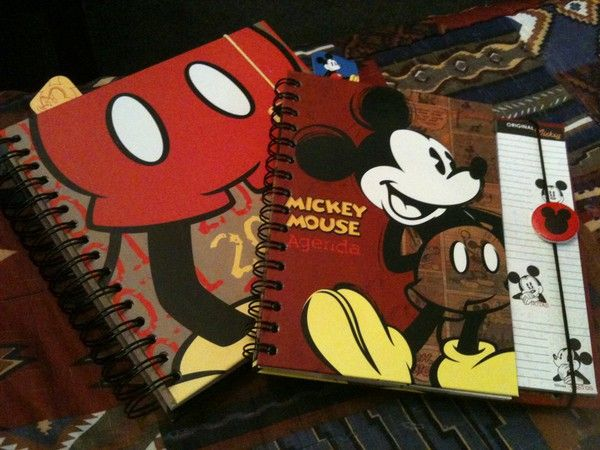Agenda Mickey Mouse 2011
