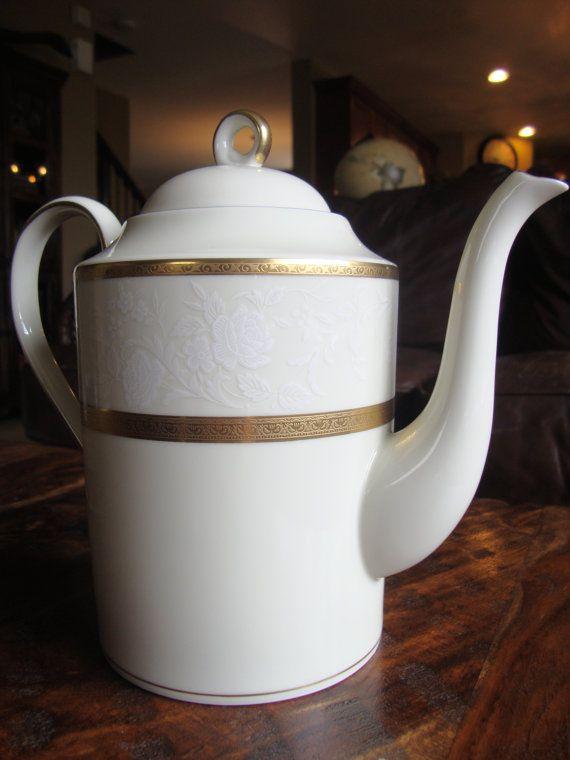fdbe6b97500c Mikasa Antique Lace Gold Trimmed Coffee Teapot TYCAALAK   Tea Cups ...