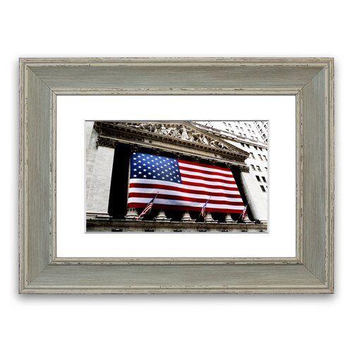 East Urban Home Gerahmtes Poster Amerikanische Flagge Wall Street | Wayfair.de