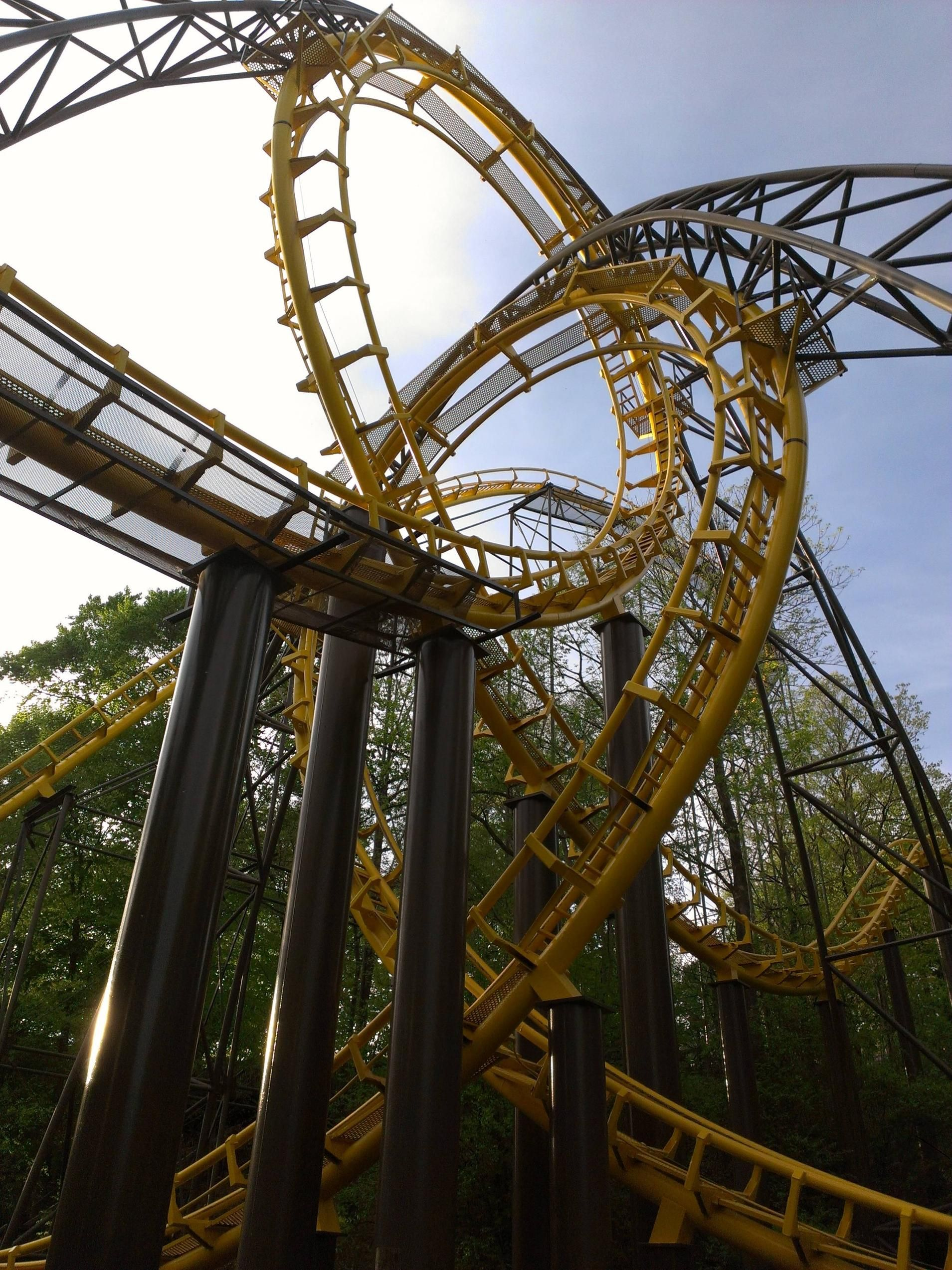 Loch Ness Monster (Busch Gardens Williamsburg) | Roller Coasters ...