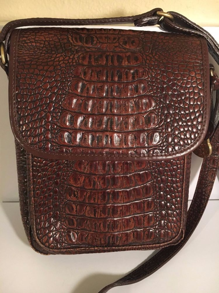 0ffc46646a94 Brahmin Made in USA Vintage Brown Croc Embossed Leather Cross body Bag  Handbag  Brahmin  MessengerCrossBody
