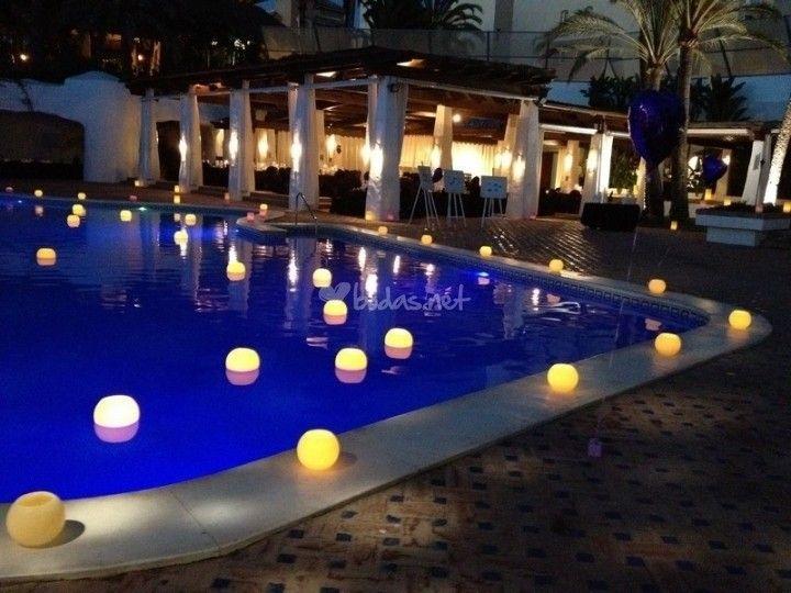 Velas piscina deco esco pinterest piscinas la for Velas para piscinas