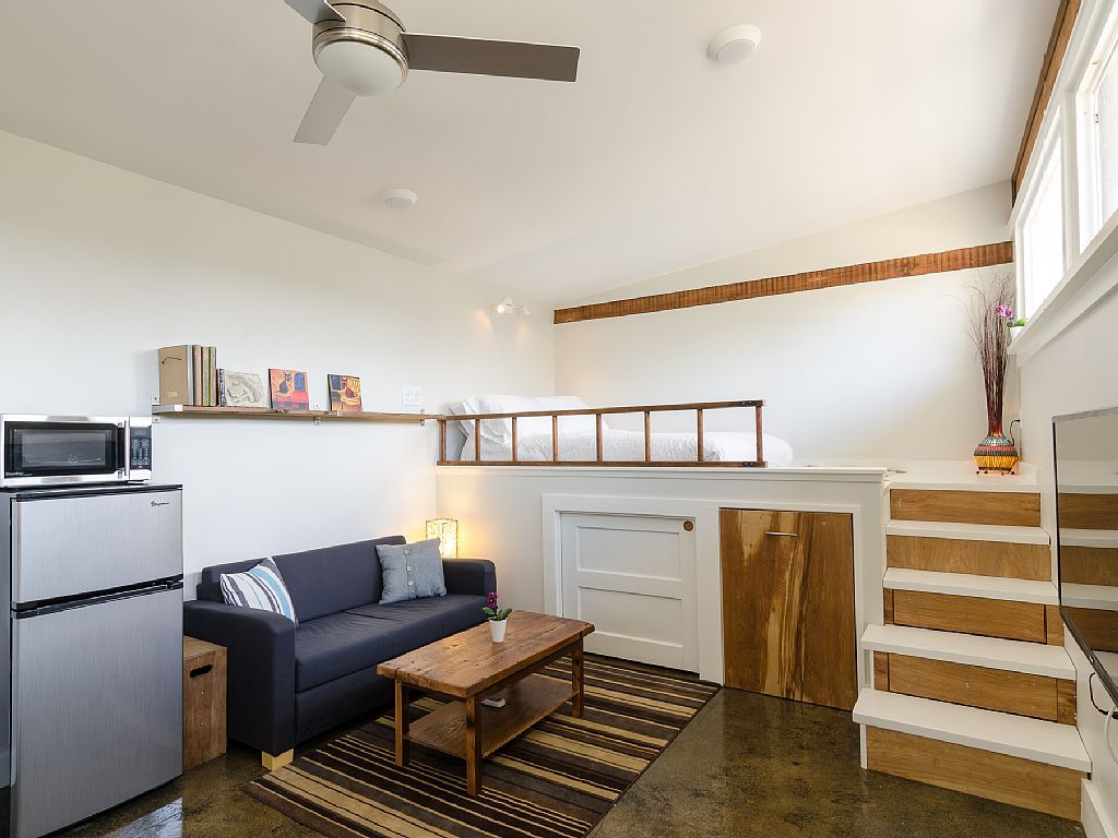 Tiny Studio Dwelling With Roximately 250 Sq Ft Of Living E Www Facebook Smallhousebliss