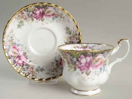 Your Favorite Brands 100 Years of Royal Albert and More! Footed Cup & Saucer Set