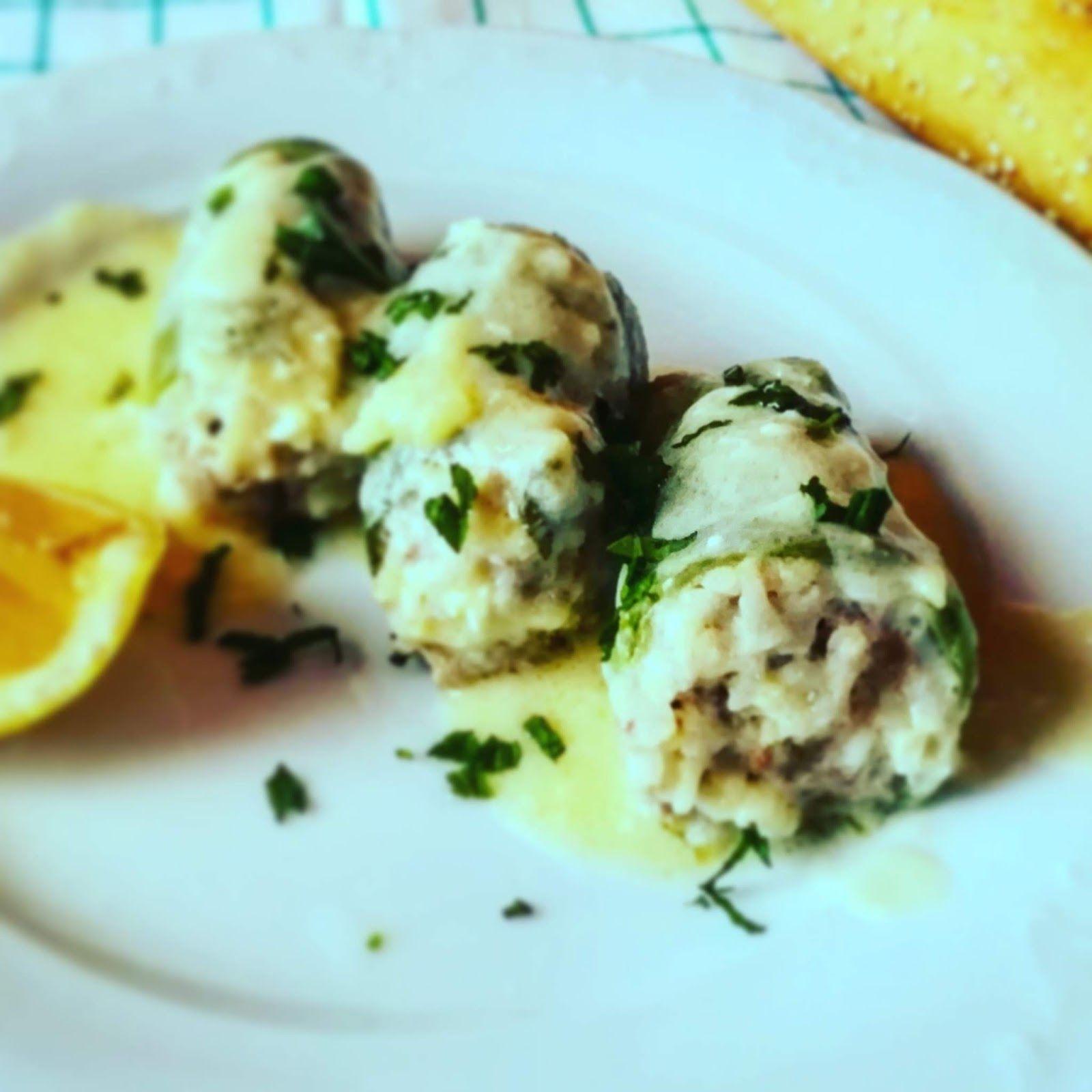 3590d33d64 Στην κουζίνα μμμμ..........μου   Κολοκυθάκια γεμιστά με σάλτσα ...