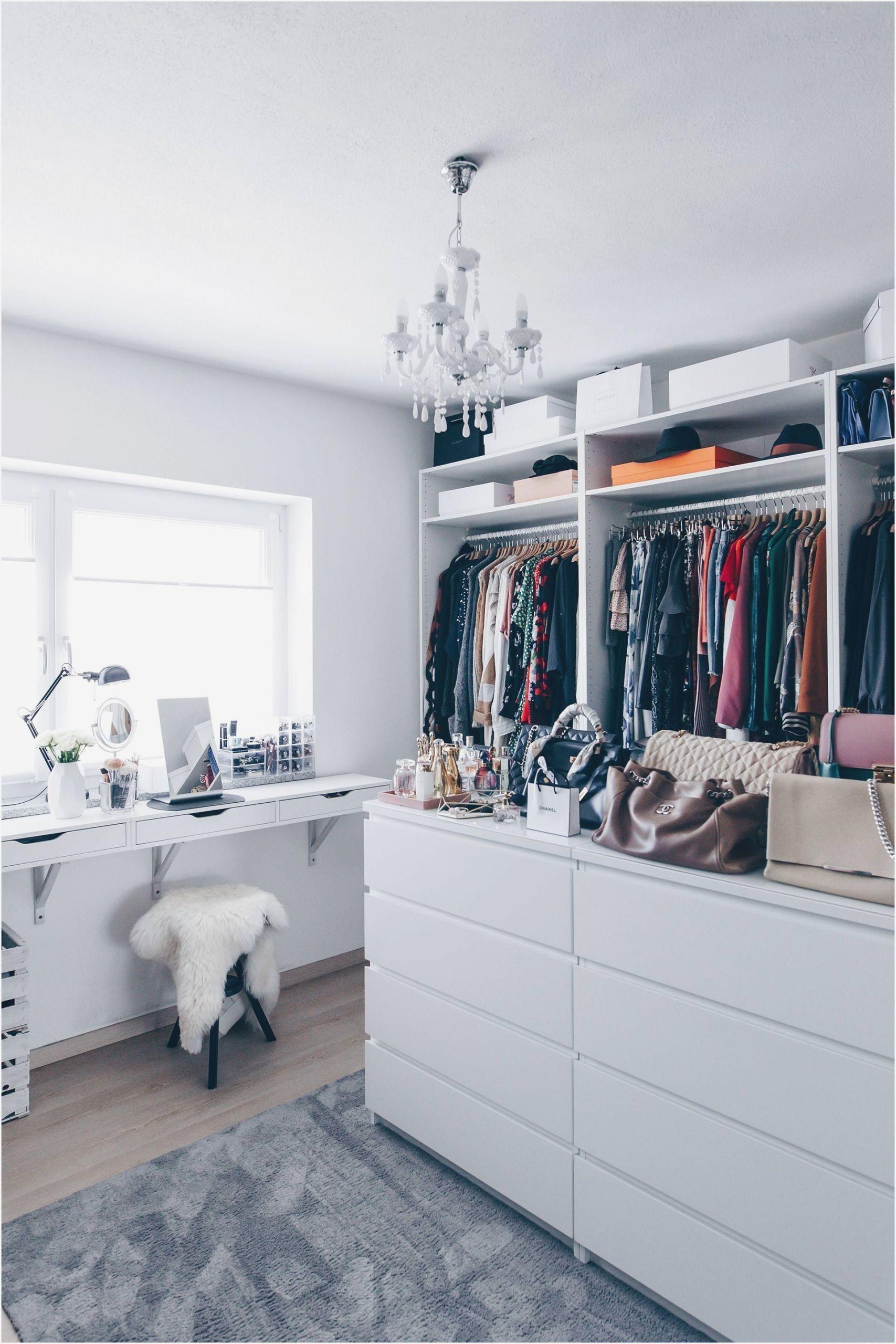 Ankleidezimmer Ideen Kleines Ikea Kleiderschrank Fur Kleines Zimmer In 2020 Ankleide Zimmer Ankleidezimmer Planen Ankleide
