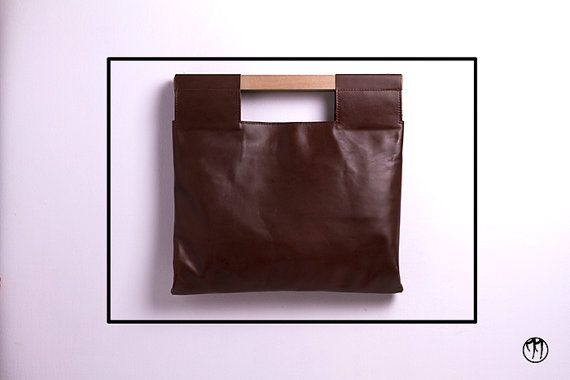 LESS is BAG Brown BIG- Deep brown leather handbag with beechwood handle, double inner pouch, internal division and snap-hook for keys