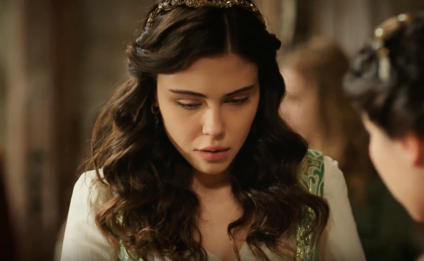 Mahfiruze Rasha Hatun On The Edge Of Extinction Inkirazin Esiginde Season 1 Episode 6 Medieval Dress Beautiful Beaumont