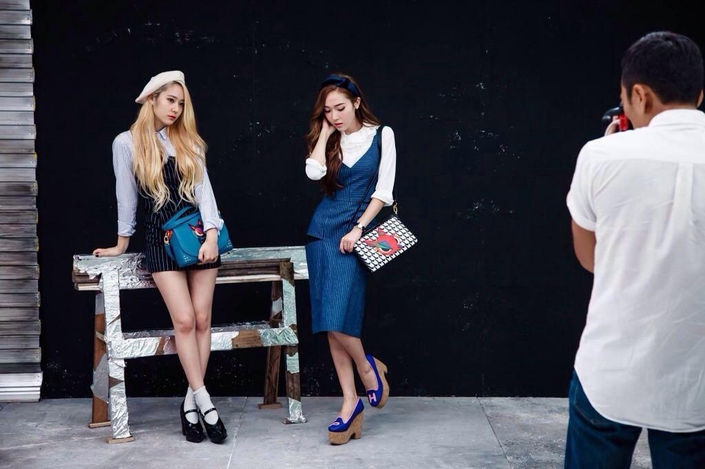 Jessica & Krystal - Lapalette Facebook Update