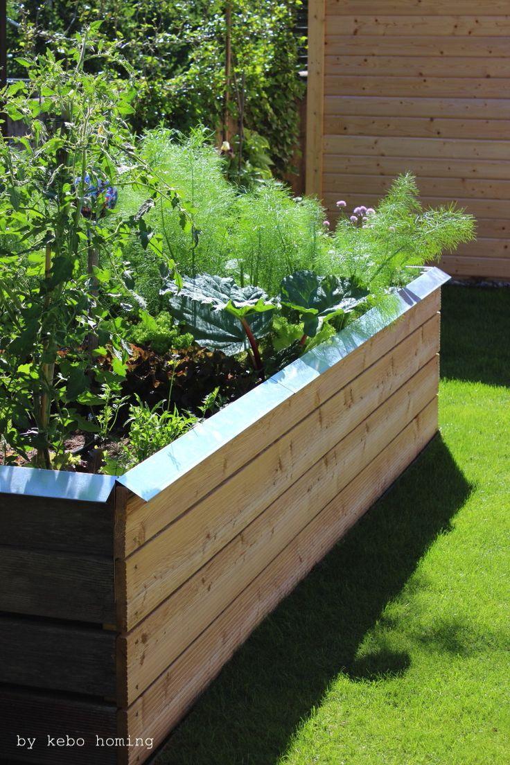 Wir Bauen Uns Ein Hochbeet Selber Bauen Ist Viel Gunstiger Und Alles Wachst So Super Raised Beds Garden Beds Diy Garden Projects