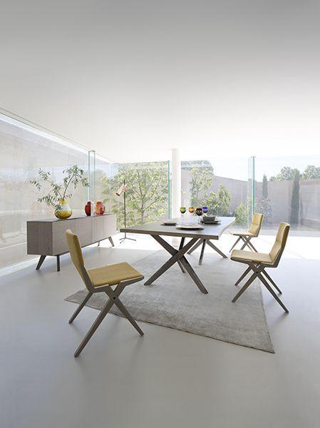 roche bobois meubles et design table repas salle. Black Bedroom Furniture Sets. Home Design Ideas