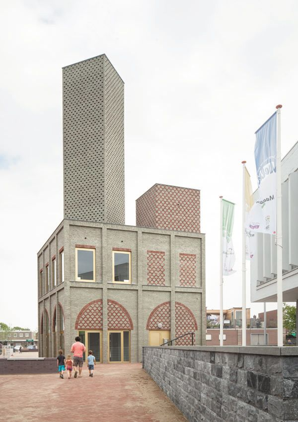 The Landmark building designed for Nieuw Bergen by Monadnock Architects of Rotterdam is an intriguing structure that unites architecture and urban design.