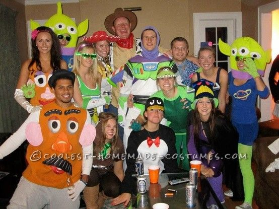 biggest toy story group costume ever the alien had is yikes but the rest of her is ok - Toy Story Alien Halloween Costume