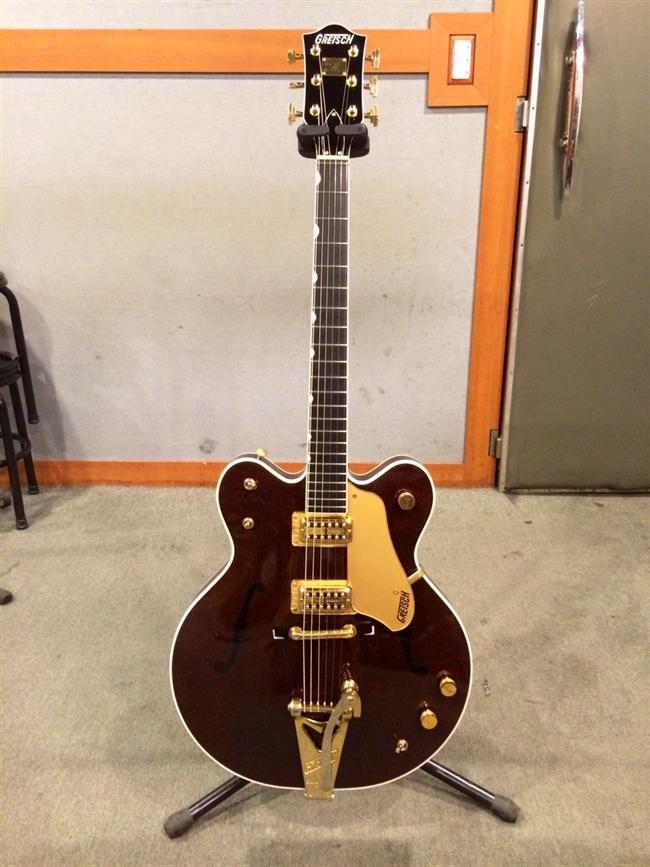 Beatles Guitars: Gretsch G6122 Country Classic II