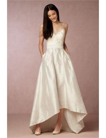 Asymmetrische V-ausschnitt Traumhafte Brautkleider aus Taft mit Applikation