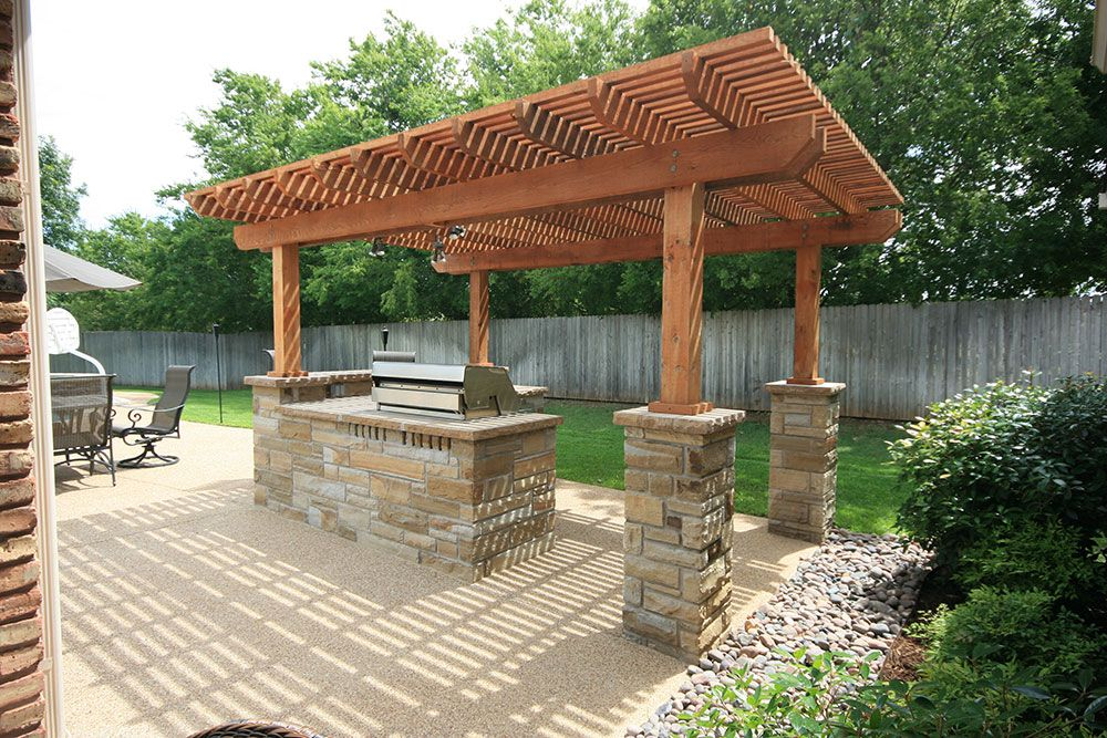 Pulliam pools outdoor kitchen photo pulliam 811 cedar for Outdoor kitchen pergola ideas