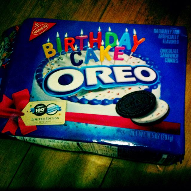 BIRTHDAY CAKE OREO COOKIES So yummy but so fattening yummy