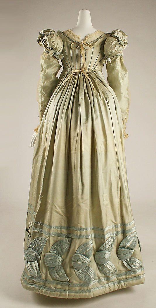 Metropolitan Museum of Art, item 1984.241, c1820 silk dress, american