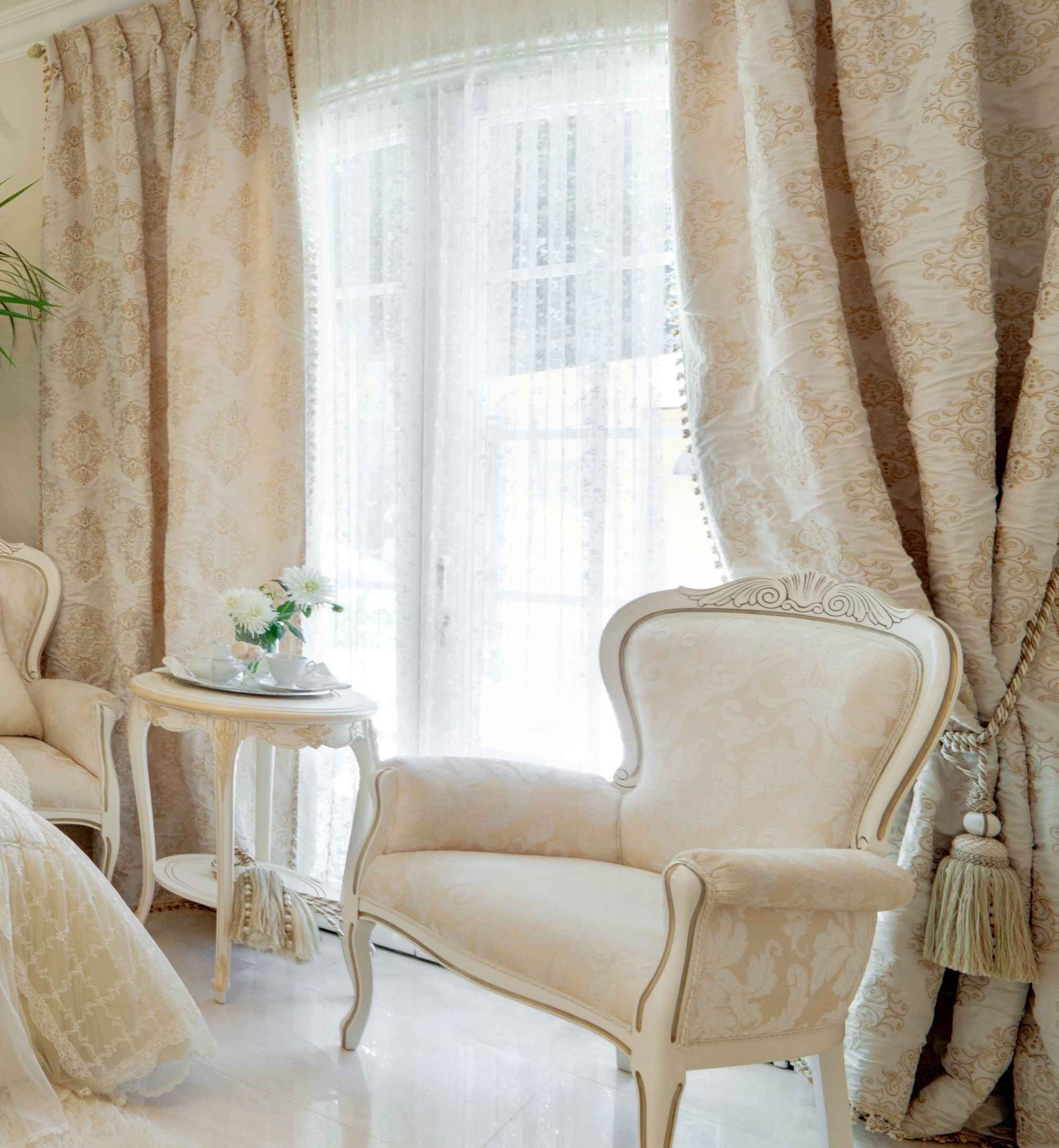 LUXURY BERSANI HOME CURTAINS COLLECTION - creamy and gold color ...