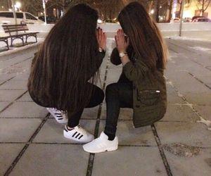 Resultado de imagen para friendship goals we heart it