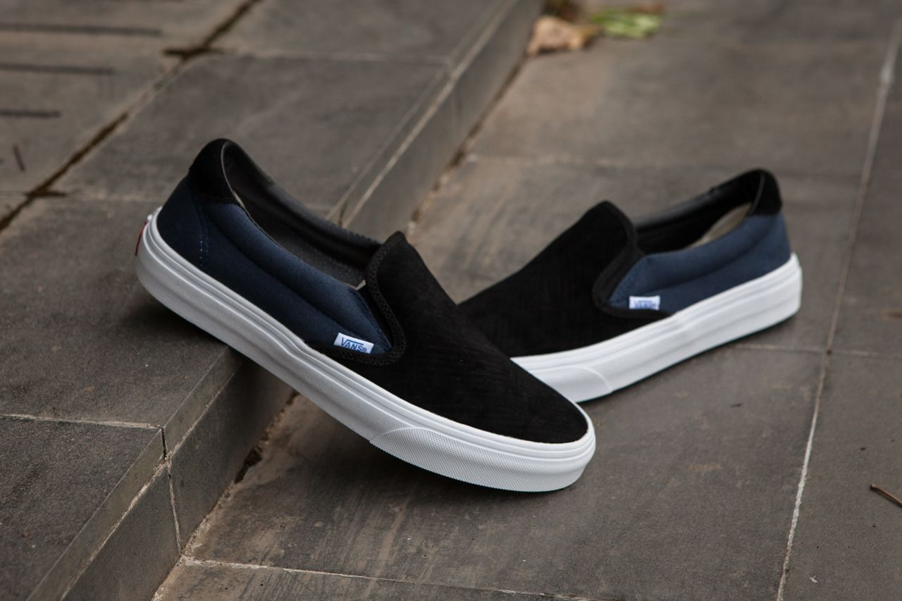 991be6b3637816 Vans Vault OG Slip On 59 LX One Foot On 17SS Kanye Black Blue C331 Skate  Shoes  Vans