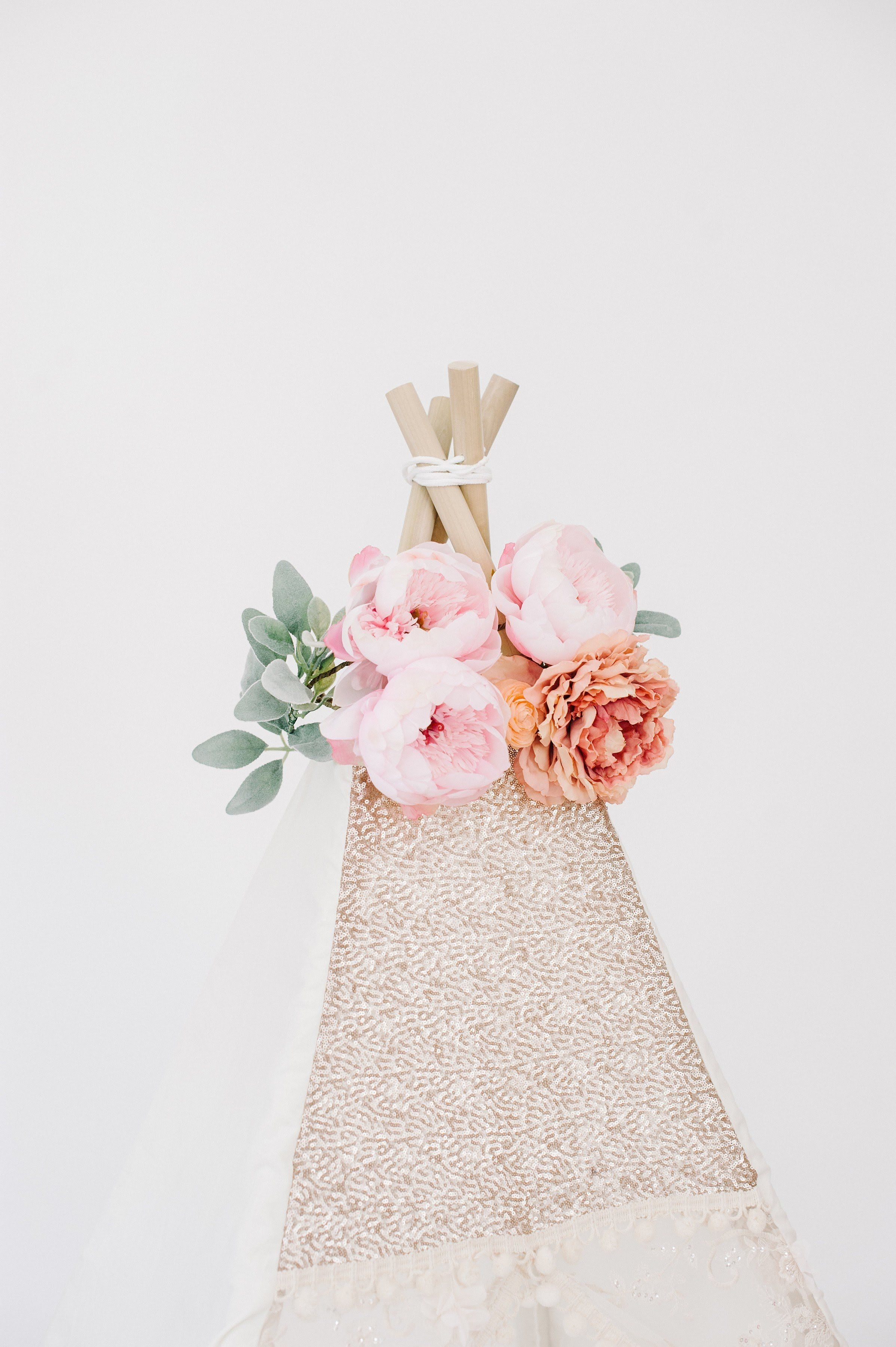 Deluxe Peach Teepee Topper