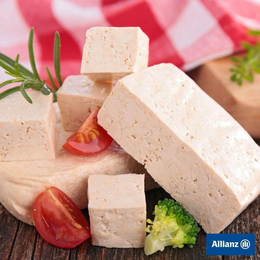 ¿has probado alguna vez el tofu?😋 Es un alimento 100% vegetal, carece de colesterol, bajo en calorías y rico en antioxidantes.
