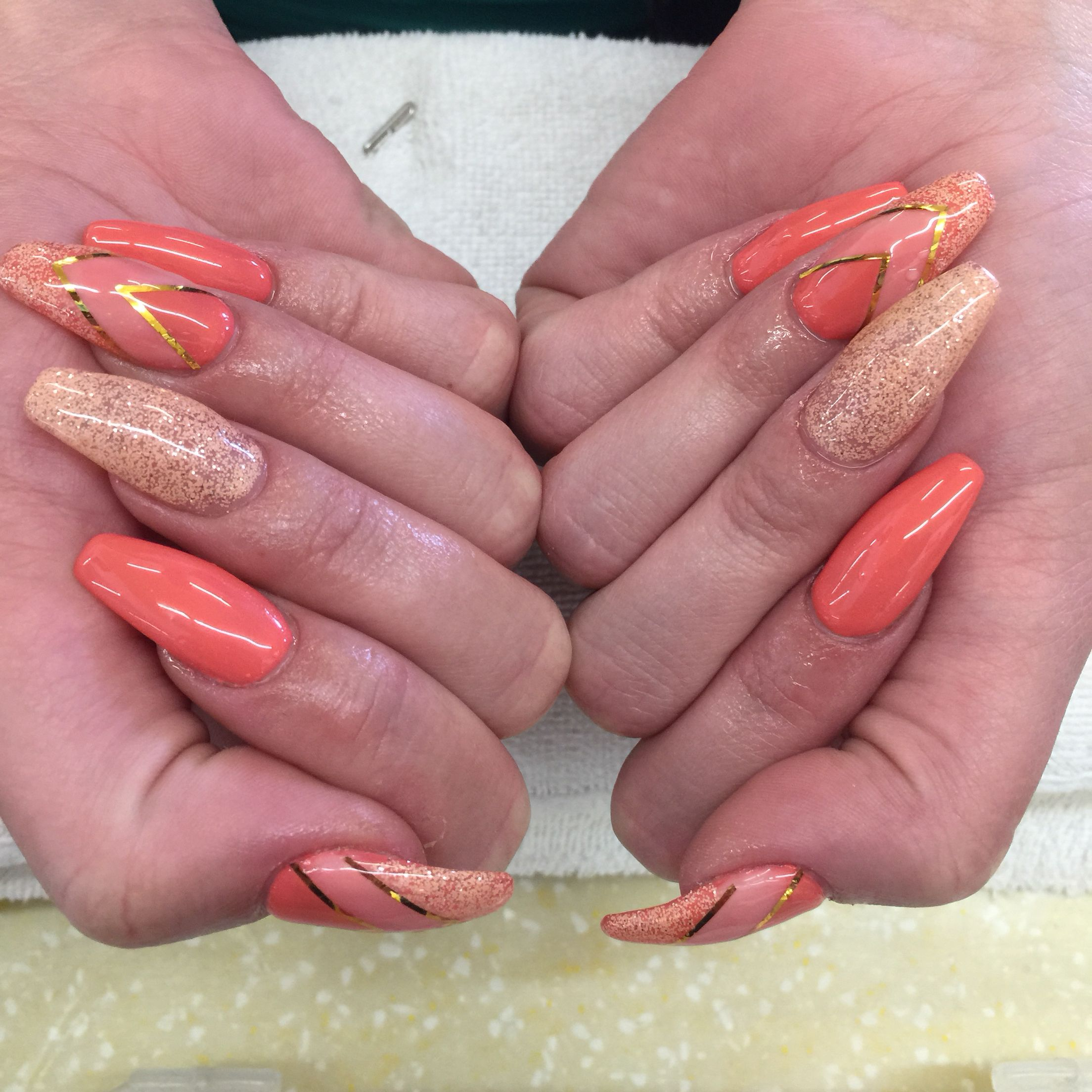 Color: Peach gel in 3 shades (glitter is called \
